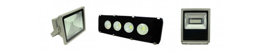 LED-Flutlichtstrahler in großer Vielfalt bei David Communication